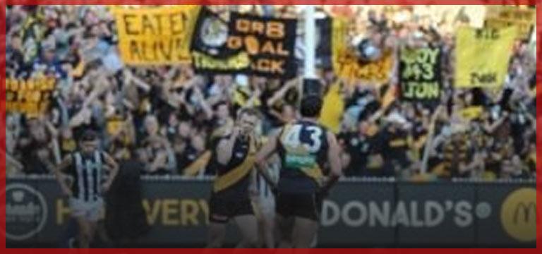 Avustralya'da Futbol Maçında İslam Karşıtı Pankart