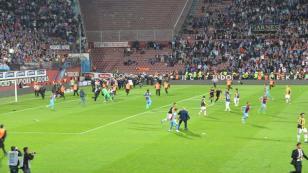 Trabzonspor Fenerbahçe karşılaşması tatil edildi