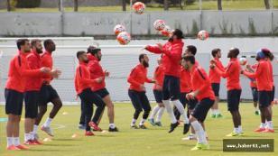 Trabzonspor 5 oyuncuya yoğunlaştı