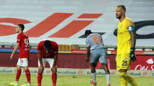 Trabzonspor'un rakibi Antalyaspor'da 8 eksik