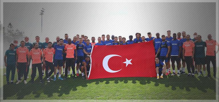 Trabzonspor 30 Ağustos'u kutladı