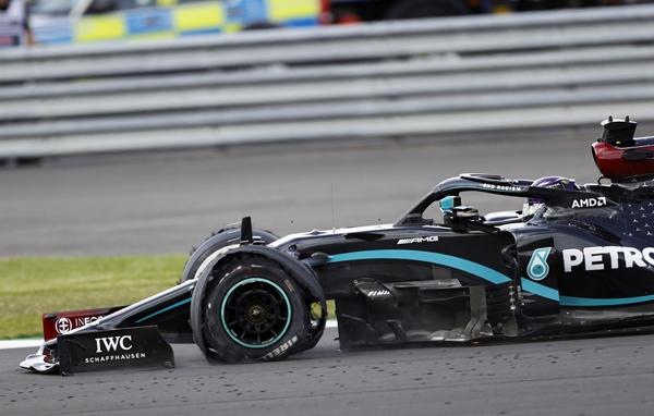 Formula 1'de Hamilton'dan müthiş zafer