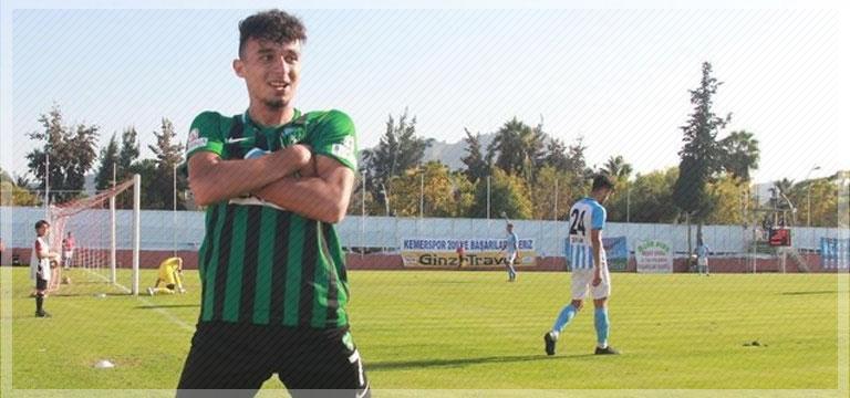 Antalyaspor, Gökdeniz Bayrakdar'la sözleşme imzaladı