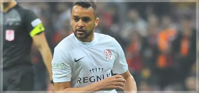 Antalyaspor'da flaş ayrılık