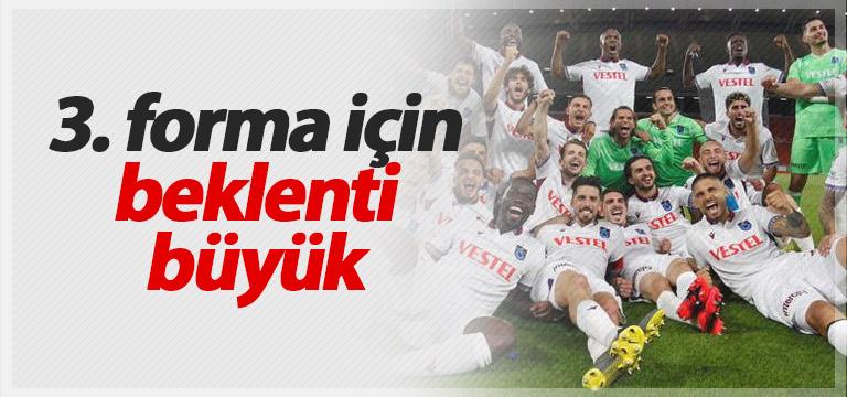 Trabzonspor'un 3. forması merakla bekleniyor