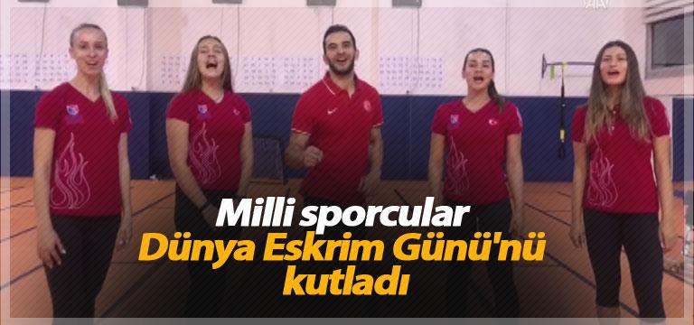Milli sporcular Dünya Eskrim Günü'nü kutladı