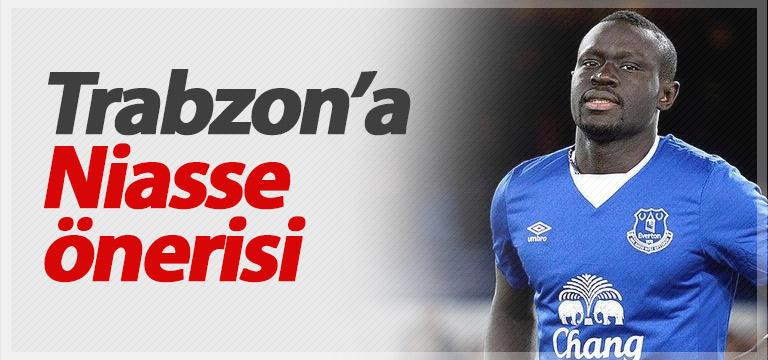 Trabzonspor'a menajerlerden Oumar Niasse önerisi