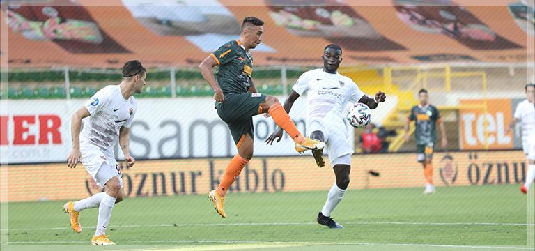 Alanyaspor Hatayspor'u 6-0 ile geçti